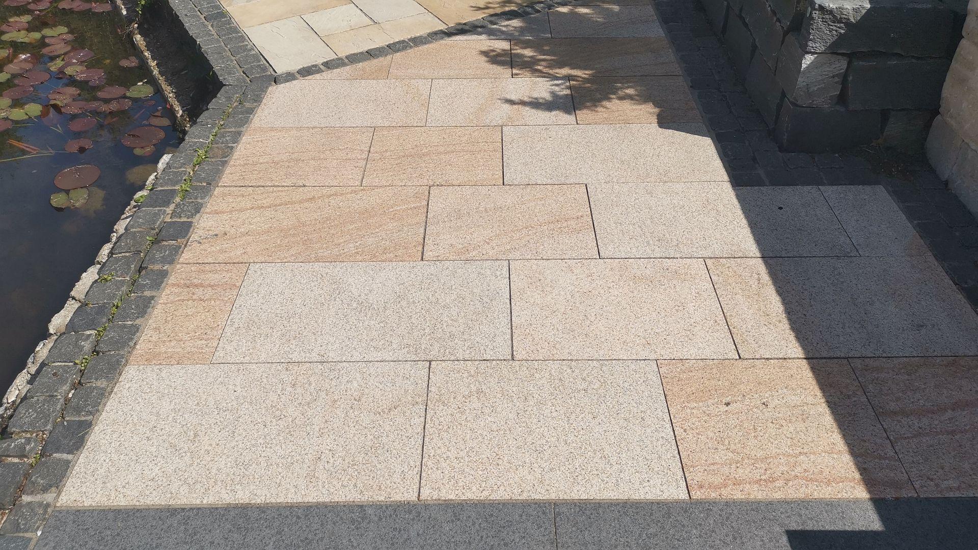 Granitplatten Moreo Antik Gelblich
