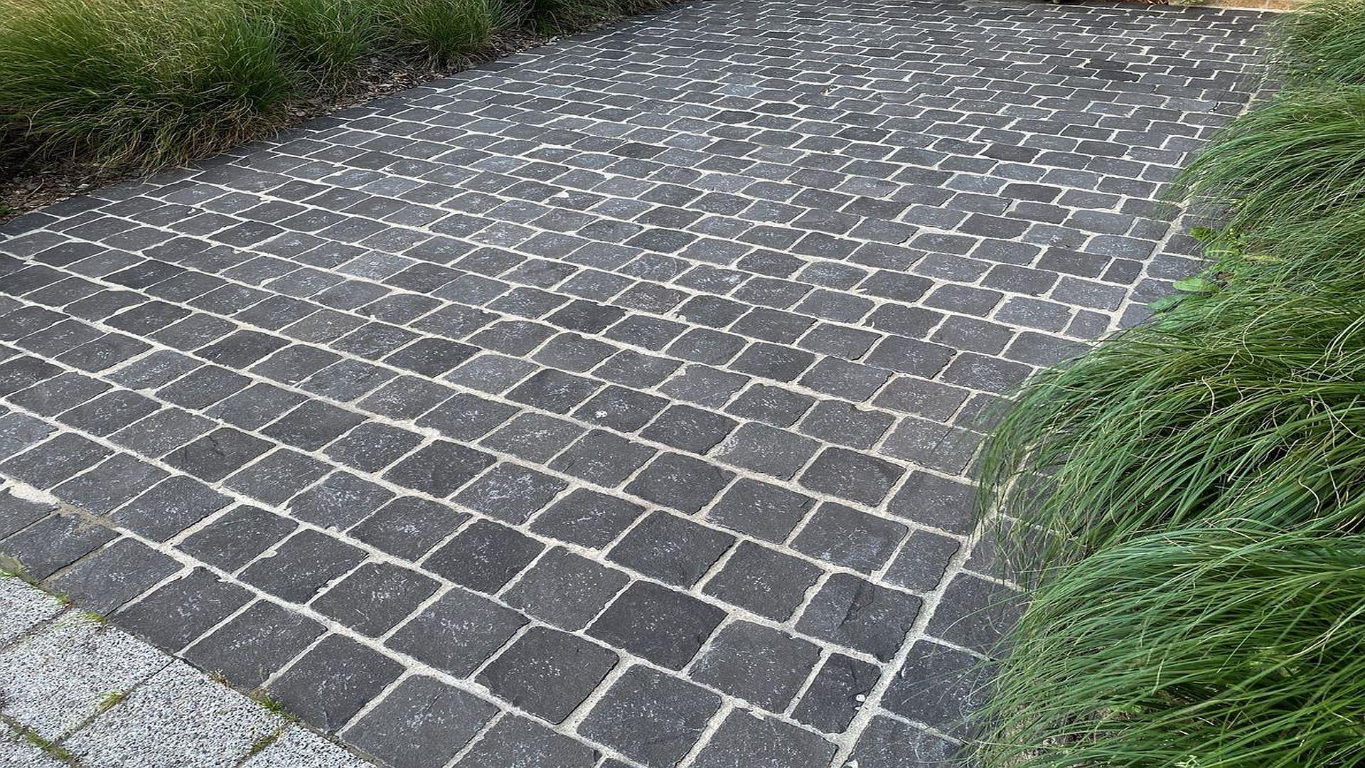 Natursteinpflaster Basalt - Schwarz