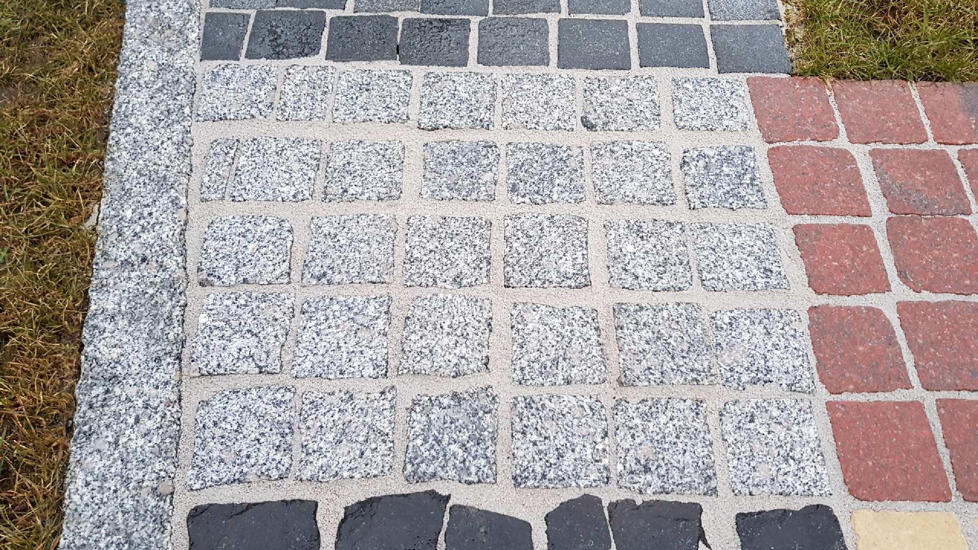 Naturstein Pflaster Gestockt - Grau