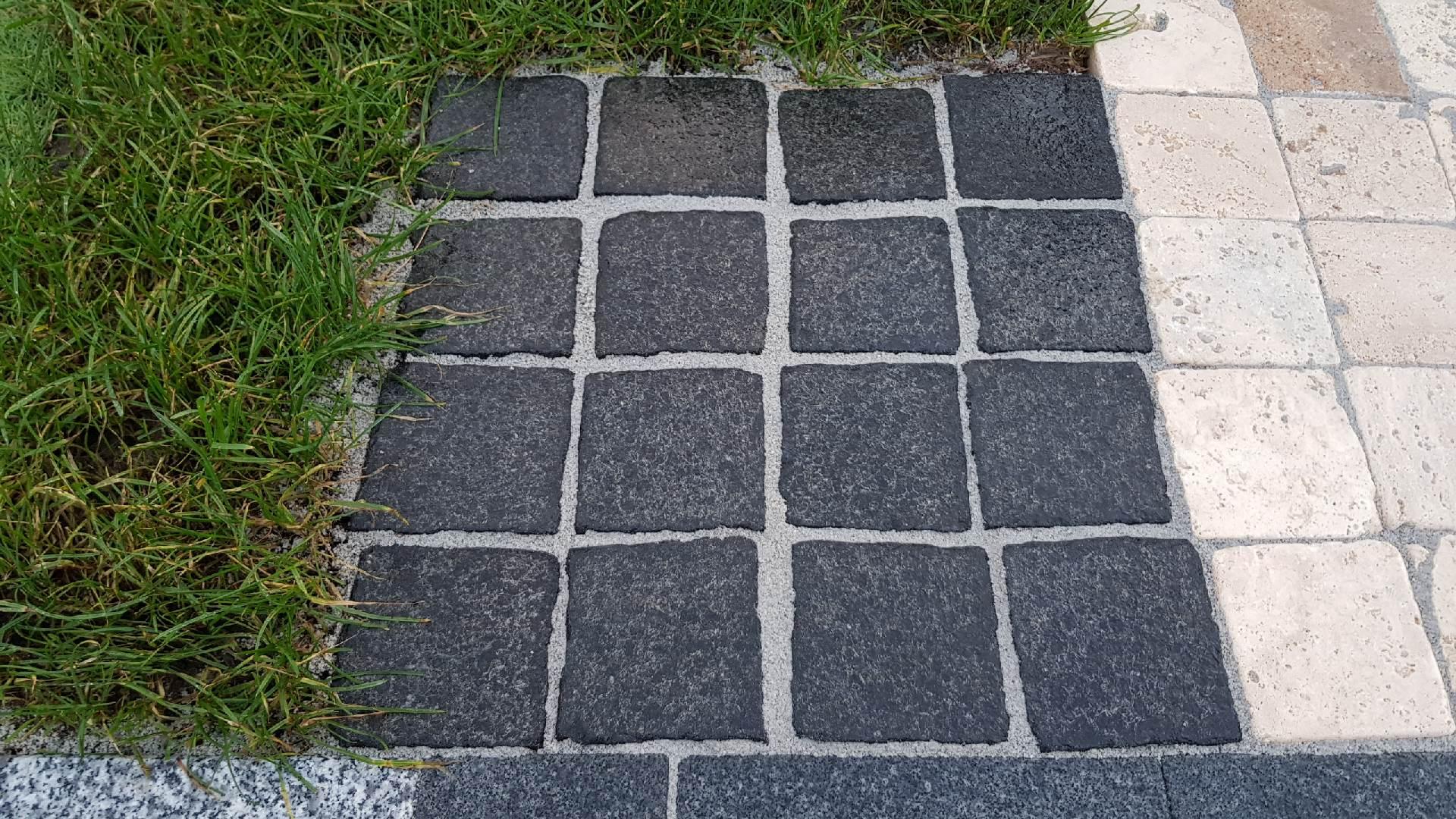 Naturstein Pflaster Basalt Geflammt