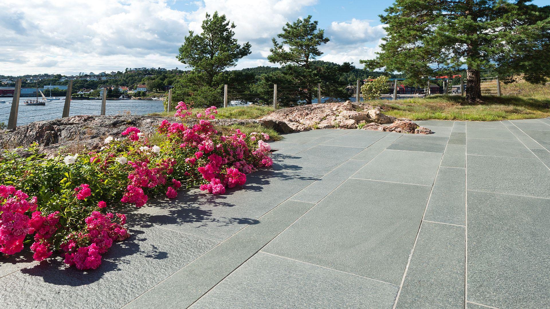 quarzitplatten g nstig billig kaufen in hamburg natursteine terrassenplatten. Black Bedroom Furniture Sets. Home Design Ideas