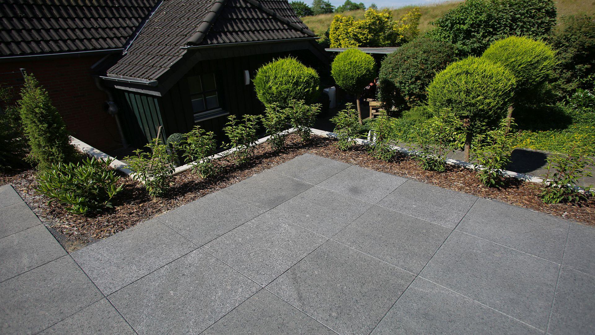 Granitplatten Attika Grey - Dunkelgrau / Schwarz